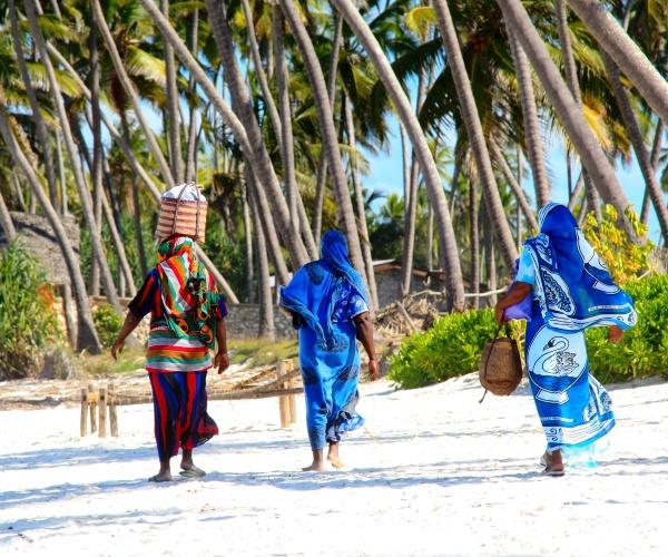 zanzibar beach and kiroyera tours
