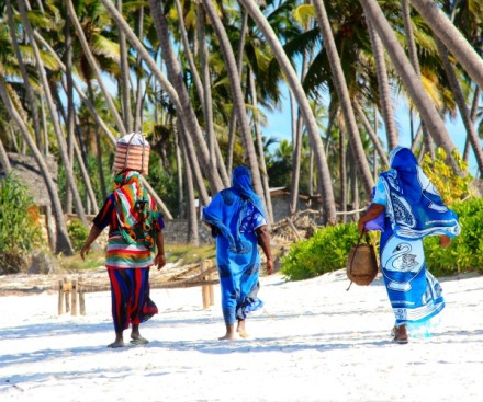 zanzibar beach and kiroyera tours